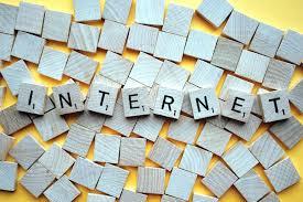 Ordinateur, smartphone, tablette… : comment les Français utilisent internet?