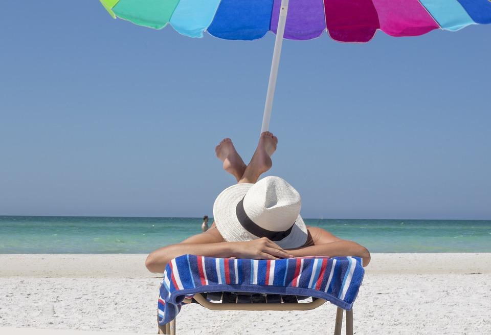 Covid-19 : comment concilier vacances d'été et vaccination ?